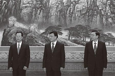 3江派常委:劉雲山(中)、張德江(右)和張高麗(左)。(AFP)
