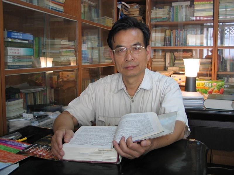 中國知名律師、東南大學法學院教授張贊寧在法庭上指出,「江澤民才是破壞了法律實施。江澤民才是真正的大罪犯。」(明慧網)