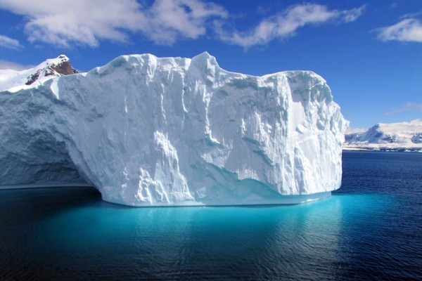 南極冰川快速融化 七年厚度縮減半公里
