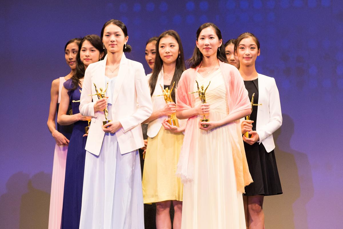 新唐人第七屆「全世界中國古典舞大賽」 青年女子組獲獎選手。 (戴兵/大紀元)
