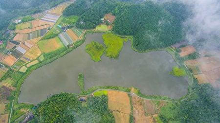 台灣宜蘭雙連埤浮島 颱風後竟飄移百米