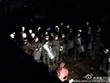 11月8日凌晨,江蘇徐州市銅山區漢王鎮馬山村遭遇數百城管突襲暴力強拆,十餘人被打成重傷住院。(網絡圖片)