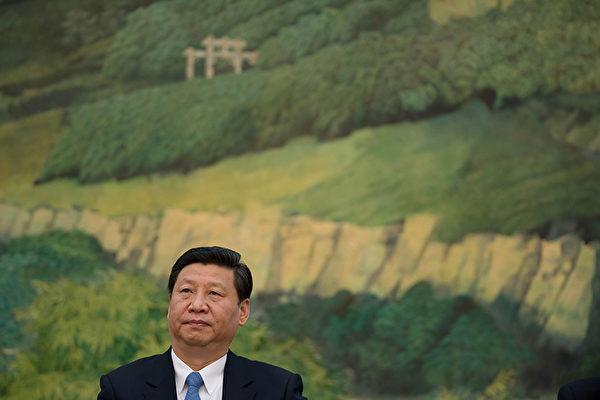 11月30日,中國文學藝術界聯合會(文聯)第十次全國代表大會、中國作家協會(作協)第九次全國代表大會在北京開幕,約3300人參加會議。習近平在大會上發言,全文約9,500字,大談中華傳統文化,釋放多重敏感信號,可視為正式啟動中國大變局的宣言。(AFP)