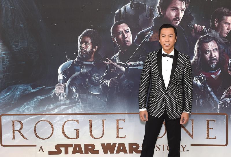 12月13日,甄子丹出席《俠盜一號:星球大戰外傳》(Rogue One: A Star Wars Story)倫敦首映禮。(Stuart C. Wilson/Getty Images for Disney)
