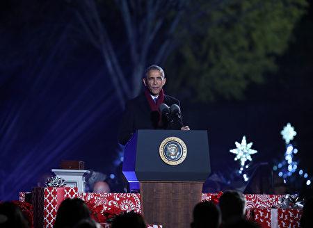 點亮白宮聖誕樹的年度儀式。(Mark Wilson/Getty Images)