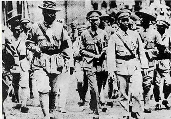 蔣介石與馮玉祥、李宗仁商討北伐事宜。(維基百科公有領域)