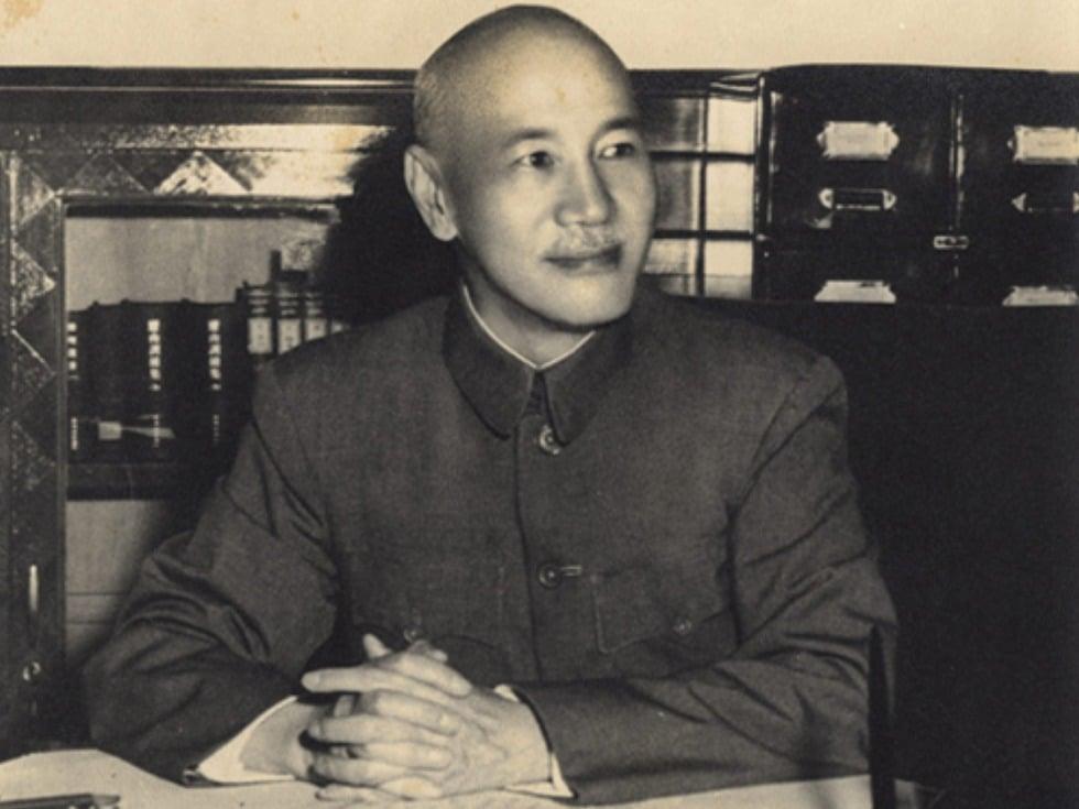 蔣介石在辦公室留影。(中華民國總統府網站)