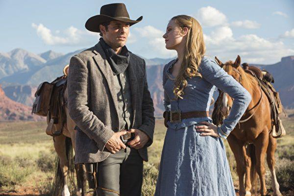 《西部世界》(Westworld)在第69屆黃金時段艾美獎獲5項獎,但在主要獎項方面顆粒無收。圖爲劇照。(HBO提供)