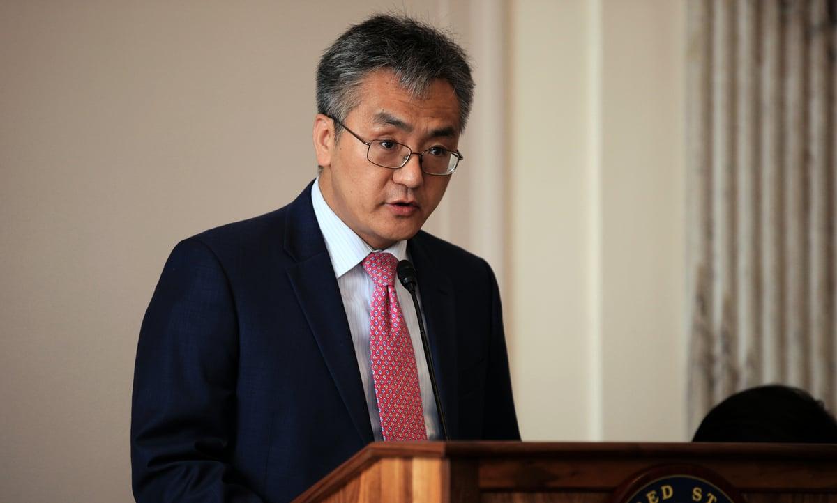 法輪大法信息中心副主任Larry Liu受邀參加會議並發言。(方明/大紀元)
