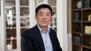 「全世界華人美聲唱法聲樂大賽」評委曲樂:聲樂大賽弘揚傳統 機遇難得