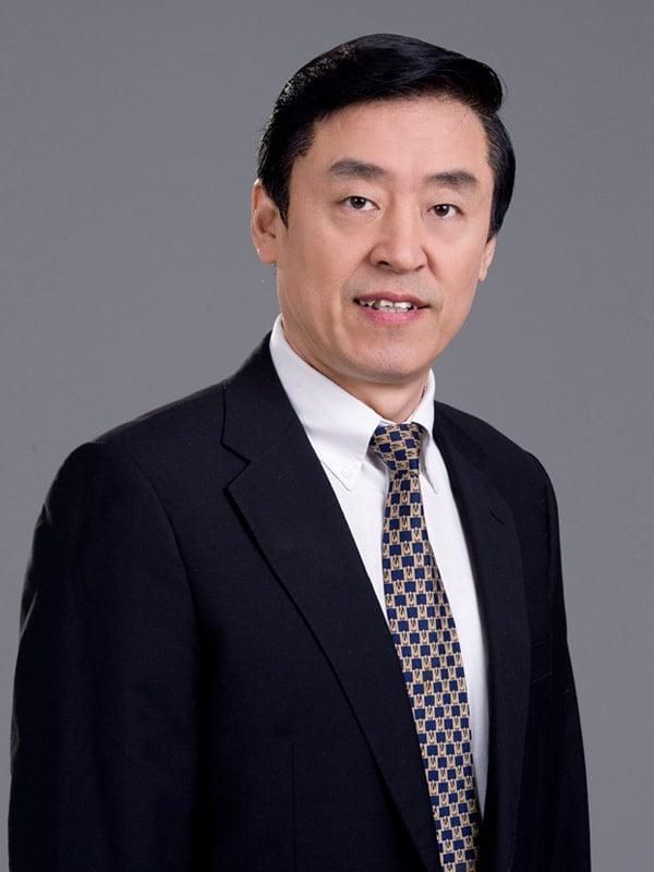 神韻藝術團歌唱家、新唐人全世界華人聲樂大賽評委曲樂近日接受大紀元專訪。(神韻藝術團網站)