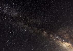 英仙座流星雨如期而來 點亮多國夜空