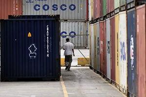 中國政經局勢趨緊 貿易戰衝擊製造業