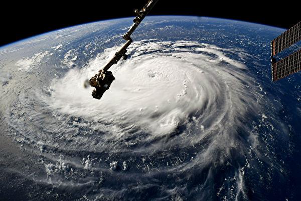 佛羅倫斯颶風侵襲前,NASA空拍佛羅倫斯颶風的圖片。(NASA via Getty Images)