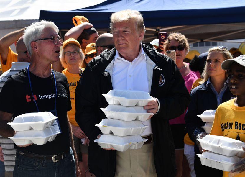 特朗普訪北卡 承諾100%支持佛羅倫斯颶風受害者