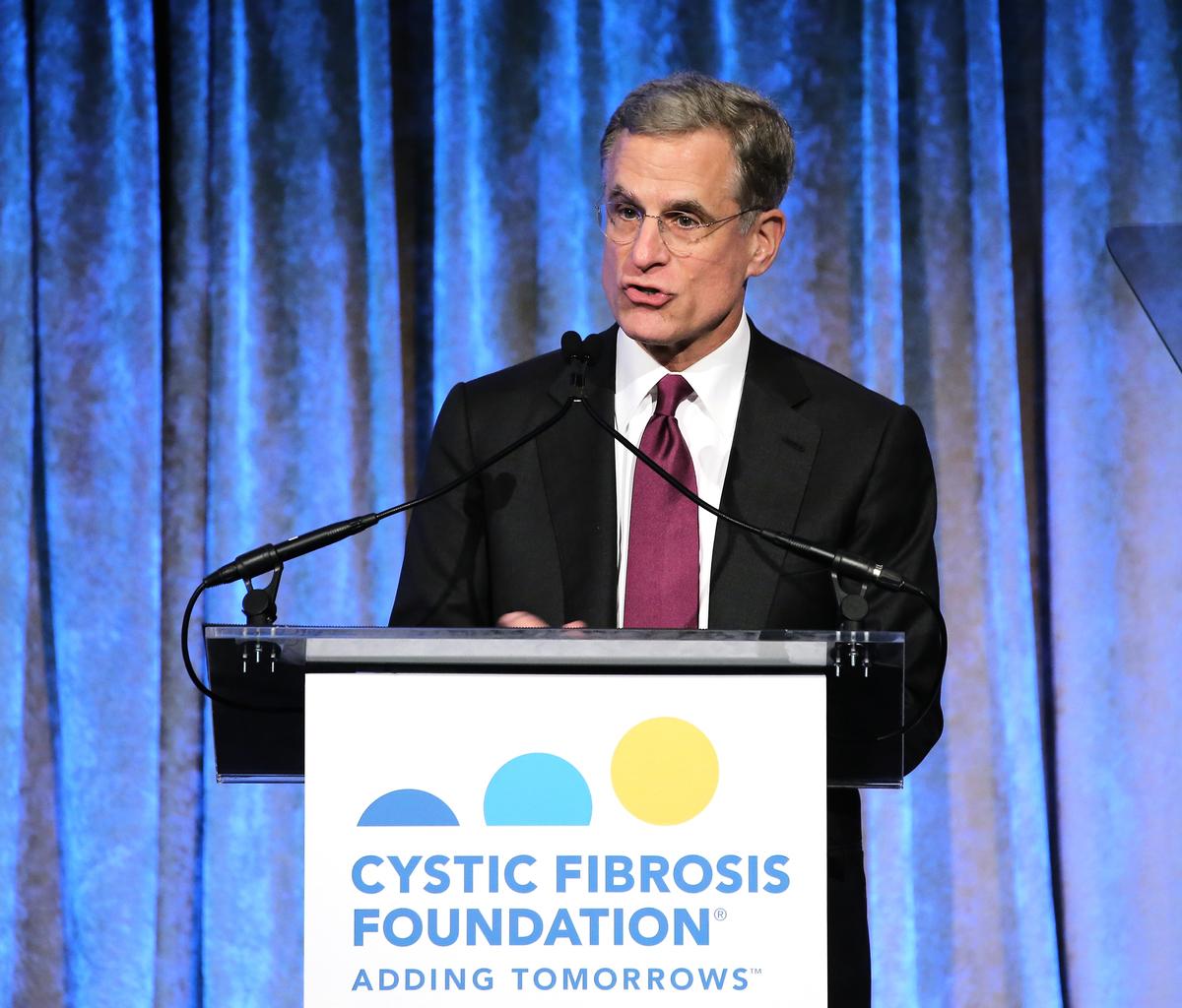 卡普蘭表示,不僅要解決美中赤字問題,還要考慮技術轉讓和知識產權,這對美國的競爭力,以及在全球(保持)長期競爭力至關重要。(Neilson Barnard/Getty Images for Cystic Fibrosis Foundation)