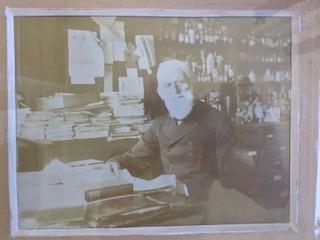 安恩的高祖父海瑞姆·科森(Hiram Corson)是當時女子醫學院的創辦人之一。(安恩·科森提供)