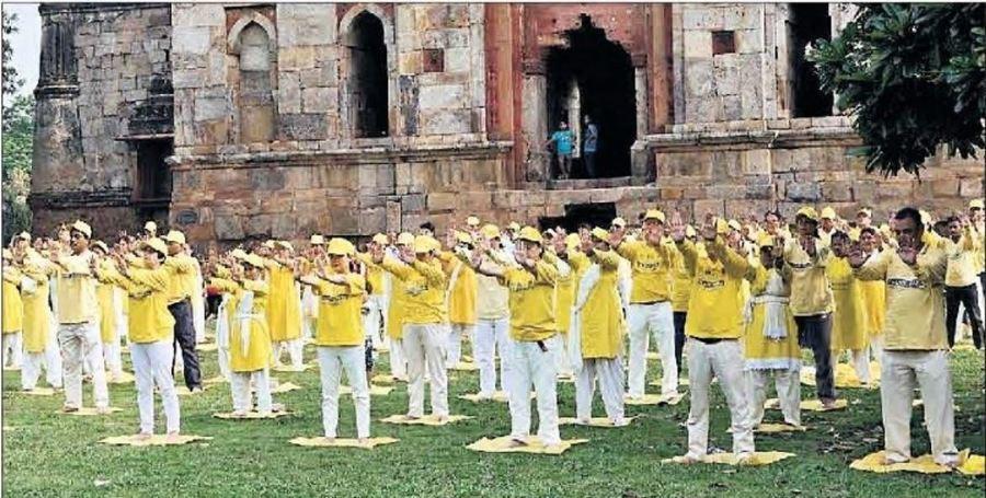印度年輕人正在學煉法輪功紓解壓力
