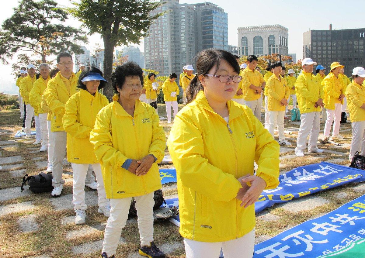 在南韓名牌企業做白領的華裔法輪功學員林蘭英。(駱亞/大紀元)
