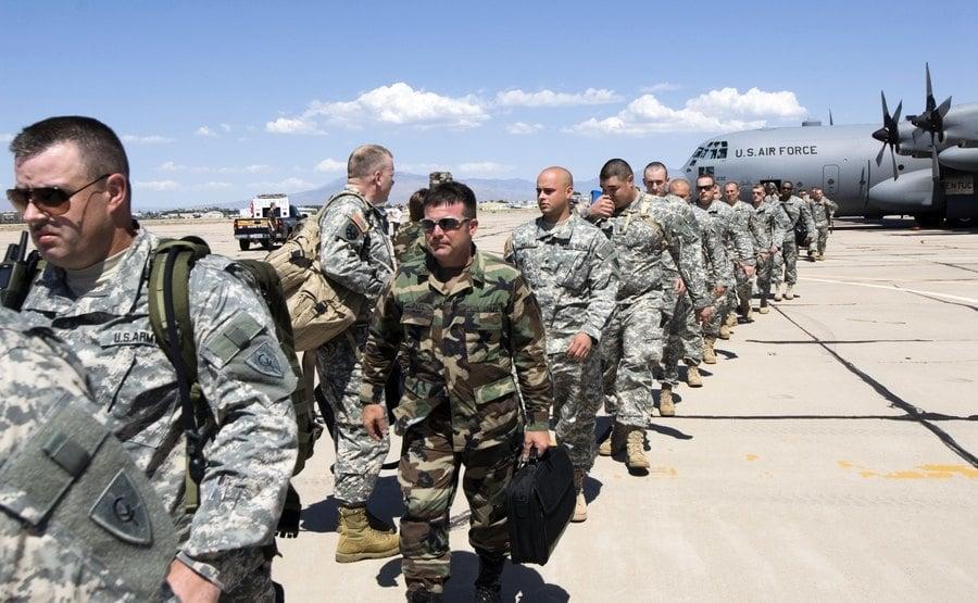 保護美墨邊界安全 特朗普:美軍將增至1.5萬