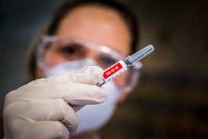 中國疫苗難敵Delta 專家籲快追打外國加強針