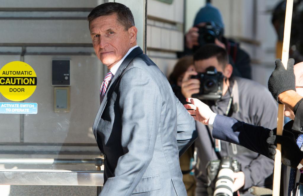 圖為前美國國家安全顧問邁克爾·弗林(Michael Flynn)2018年12月18日進入華盛頓特區地方法院。(SAUL LOEB/AFP/Getty Images)