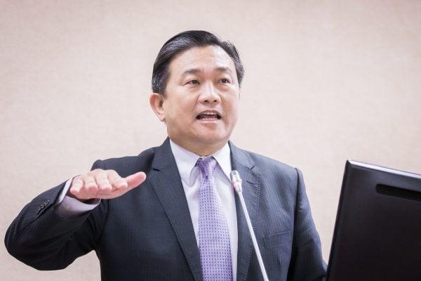 民進黨立法委員王定宇表示,中共的「千人計劃」、「中國製造2025」、「一帶一路」,都是中共對外掠奪的戰略。「千人計劃」目的是掠奪海外高尖人才。 (陳柏州/大紀元)