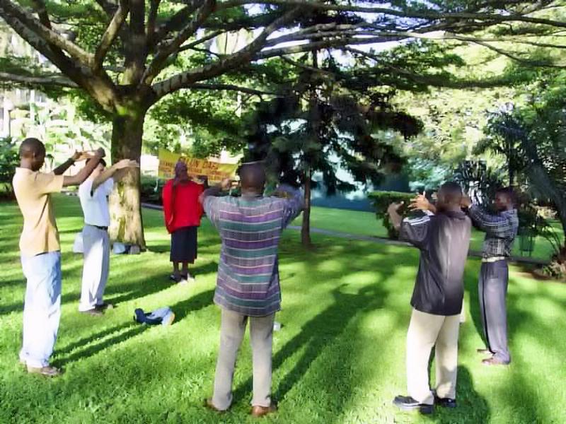 《轉法輪》在非洲流傳 人們奔走相告傳福音