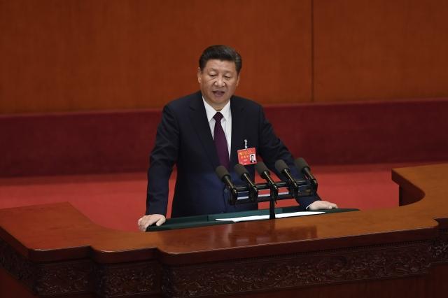 去年,習近平在主持中央政治局會議時,提到當前中國經濟面臨「新問題新挑戰」,必須做好六穩:「穩就業、穩金融、穩外貿、穩外資、穩投資、穩預期」。分析指出,這番話顯示中國經濟真的面臨很大的困難。圖為資料照。(AFP)