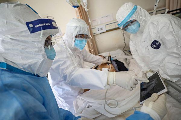 一些中共肺炎(俗稱武漢肺炎)病人治癒後出現肺纖維化,中共肺炎可能帶來哪些後遺症?(STR/AFP via Getty Images)