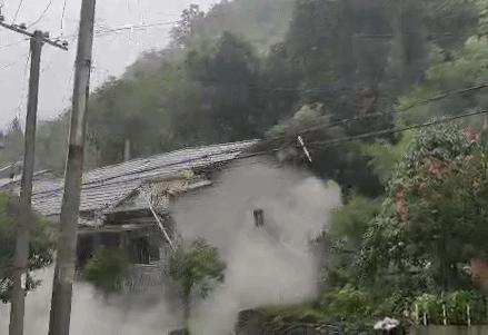 【一線採訪】重慶發生山泥傾瀉民房倒塌 居民爆內情