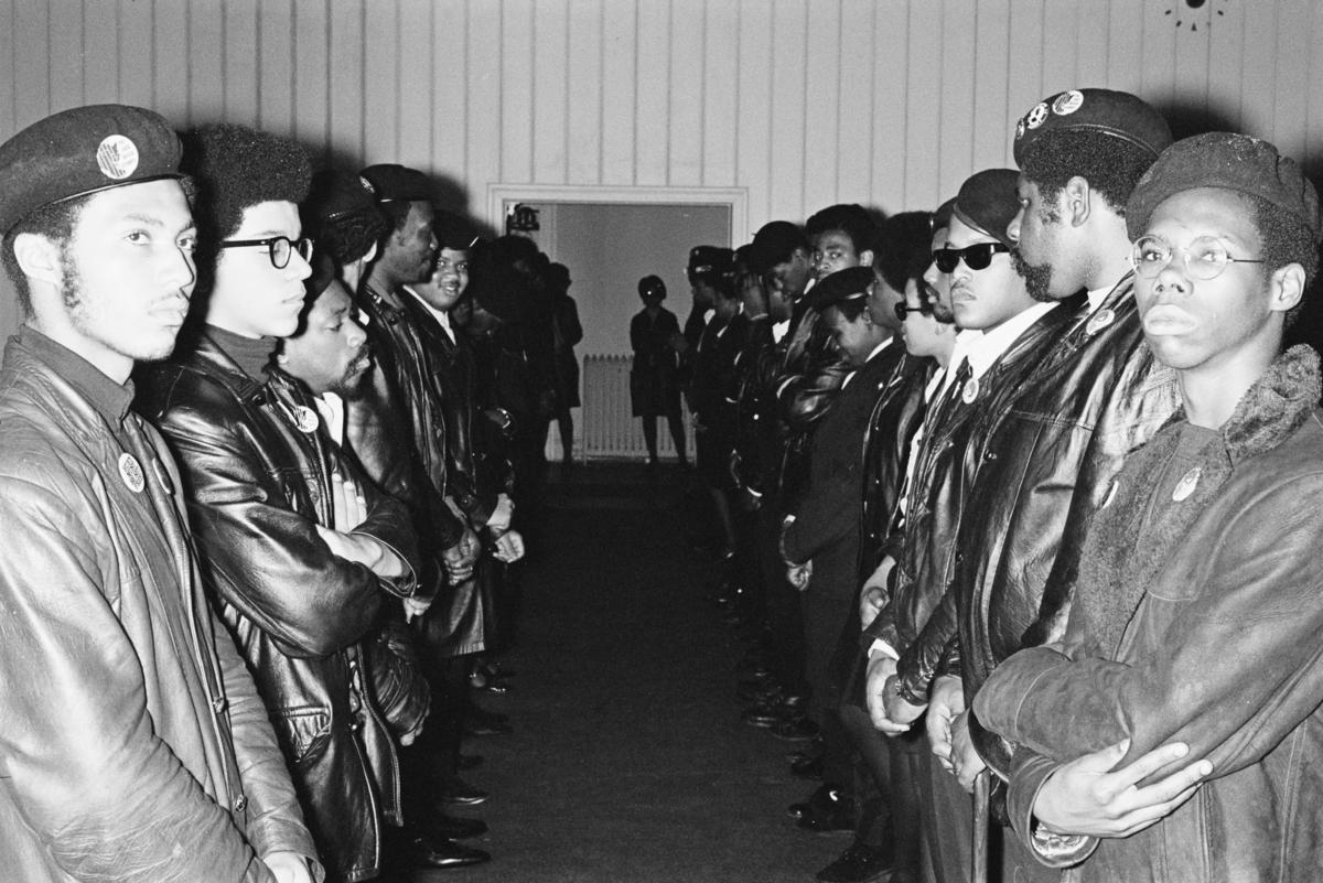 圖為美國黑豹黨1969年組織的一次葬禮。(Jean-Pierre Laffont/Michael Ochs Archives/Getty Images)