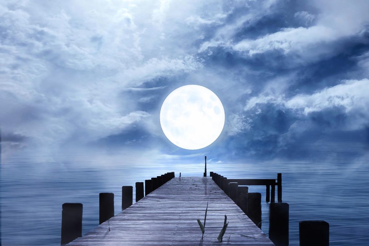 今年首個滿月出現在1月28日世界標準時間的晚上19時16分,美國東部標準時間的下午2時16分。此為滿月示意圖。(Pixabay)