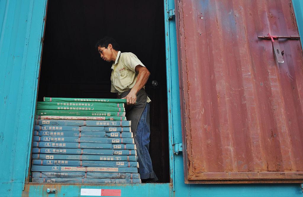 美國商務部10日表示,將對中國瓷磚徵收初步關稅104%至222%。(China Photos/Getty Images)