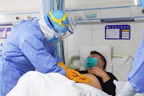 中共肺炎蔓延至今,各地陸續出現痊癒案例。這些痊癒的病人都使用了甚麼療法?(STR/AFP via Getty Images)
