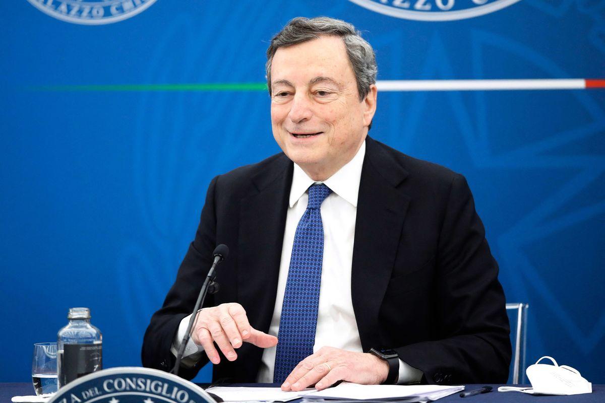 2021年3月26日,意大利總理德拉吉(Mario Draghi)在COVID-19新聞發佈會上發言。 ( ALESSANDRA TARANTINO/POOL/AFP via Getty Images)
