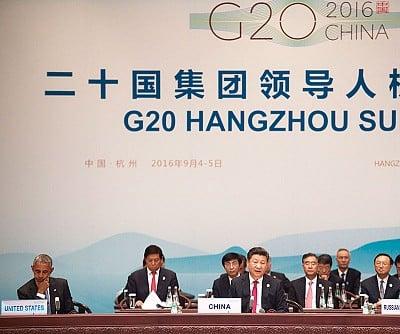 G20杭州峰會期間,中辦主任栗戰書與中央政策研究室主任王滬寧,作為習的左膀右臂,陪同習參加了幾乎所有的與外國元首會面活動。還有汪洋也陪同習近平出席峰會。(Getty Images)