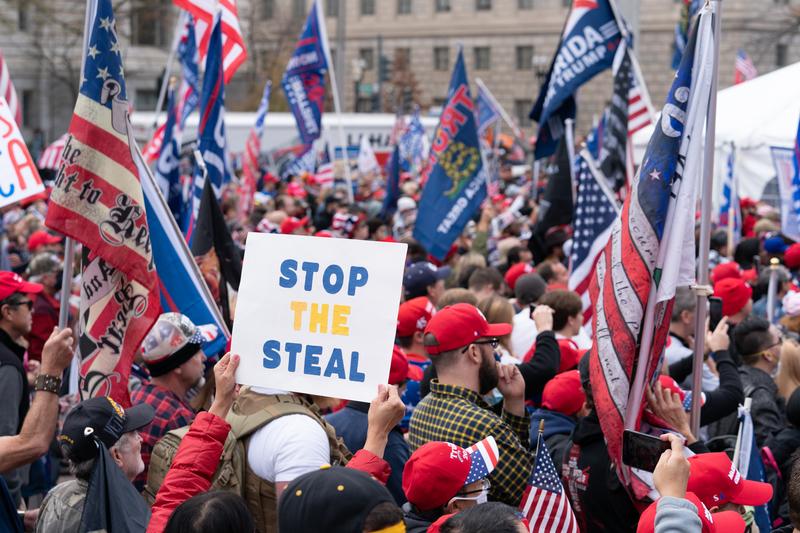 2020年12月12日,美國華盛頓DC舉辦制止竊選、支持特朗普連任」的大型遊行集會活動。(Leo Shi/大紀元)