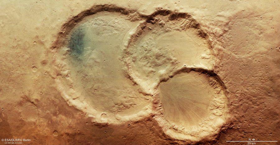 火星上發現罕見「撞擊坑三胞胎」