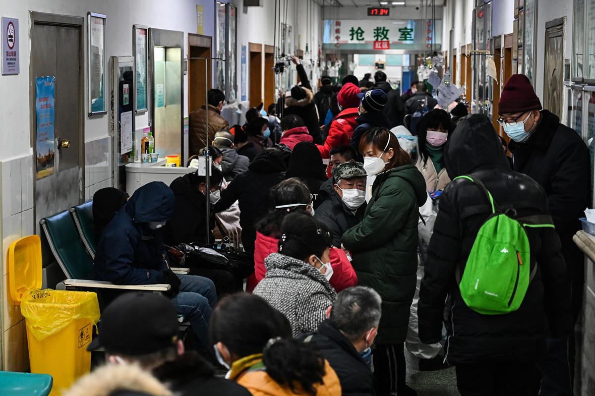 美國FDA前局長表示,中共肺炎的實際數字被大大低估,中共公佈的數字只是實際的一小部份。(Hector RETAMAL/AFP)