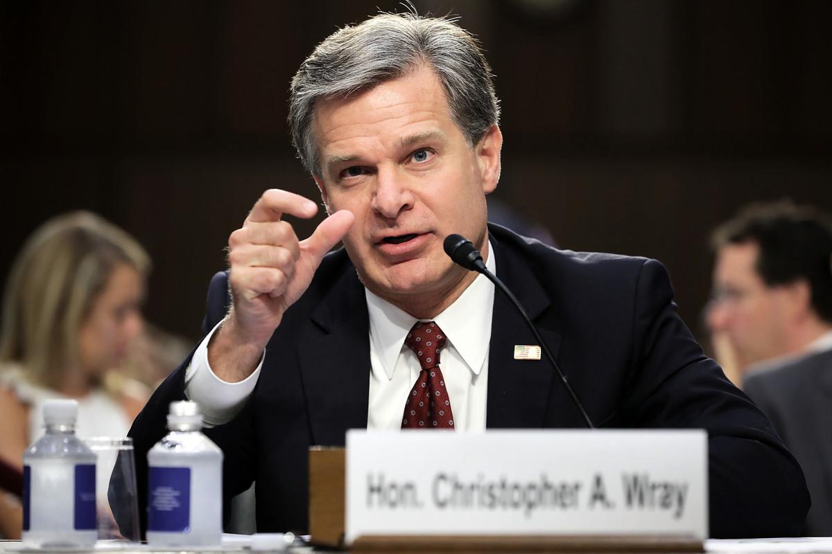 圖為美國聯邦調查局(FBI)局長雷(Christopher Wray)出席國會聽證。(Getty Images)