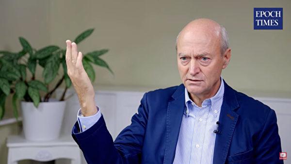德國聯邦情報局前任局長辛德勒日前接受德文大紀元在線採訪時再次談到華為參與德國5G的危害。(影片截圖)