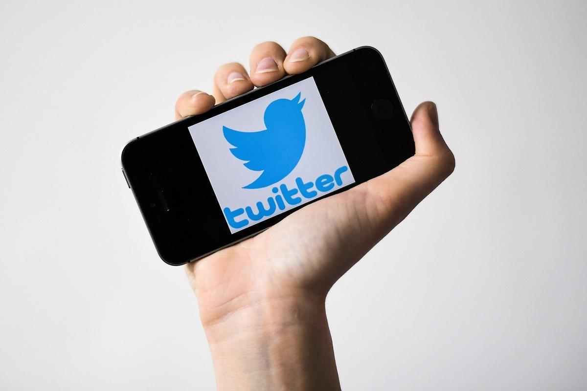 被中共在國內禁止的推特卻不刪中共大外宣假信息,遭議。(LOIC VENANCE/AFP)