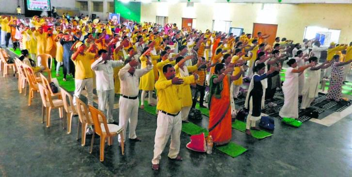 印度媒體:成千上萬人煉法輪功 深受裨益