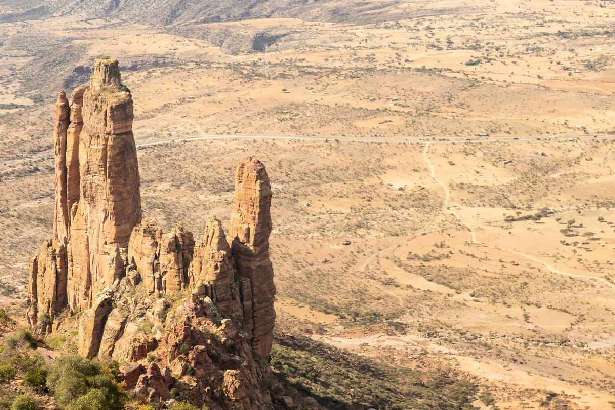 埃塞俄比的「阿布納耶瑪塔朝日」(Abuna Yemata Guh)教堂蓋在峭壁上,被稱為世界上最危險的教堂。(Shutterstock)