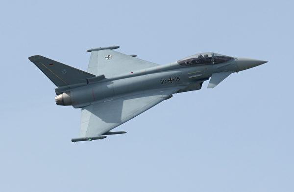 2008年5月28日,一架德國的颱風戰鬥機在柏林航空展上。(Sean Gallup/Getty Images)