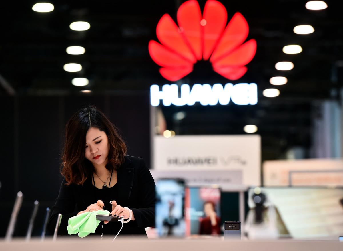 在美國市場,較少看到華為手機和其它設備,這是為甚麼呢?(David Becker/Getty Images)