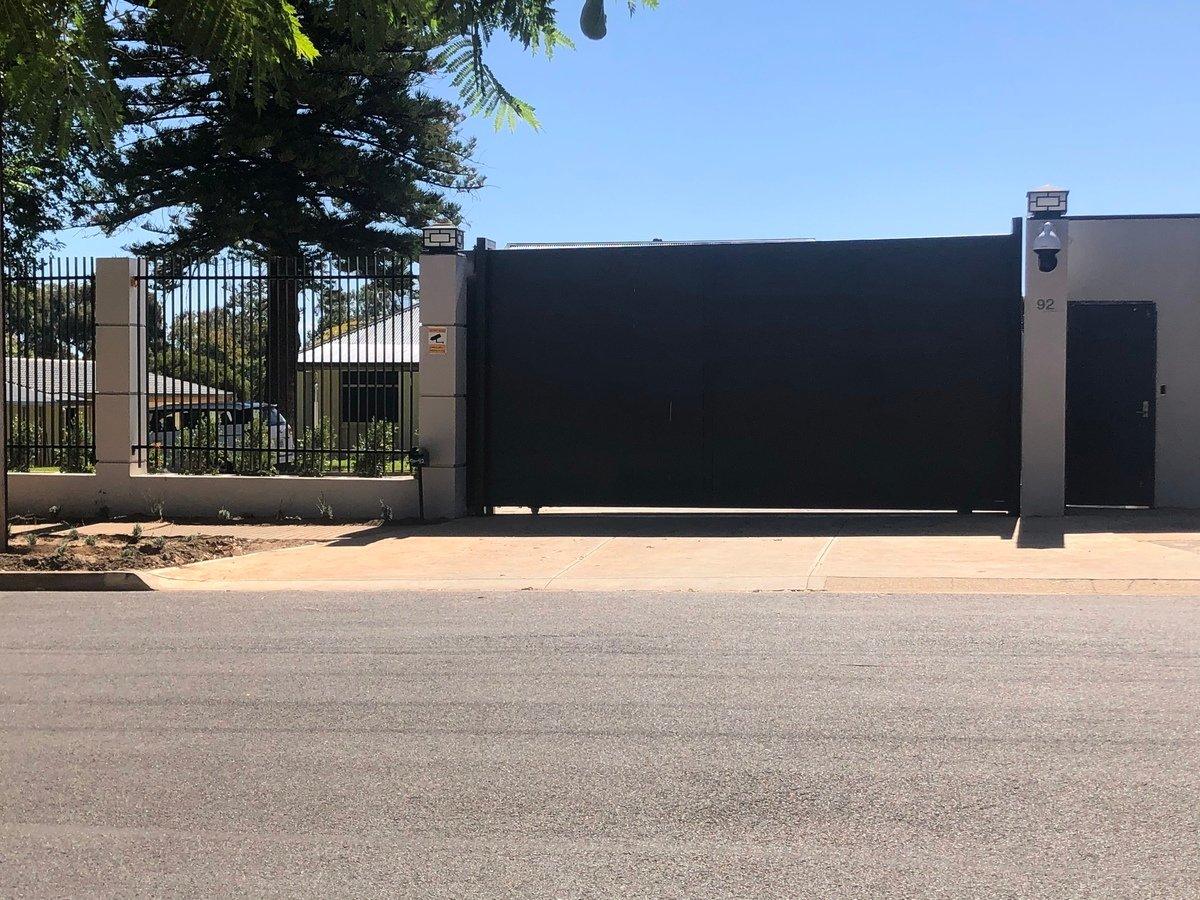中共駐南澳領事館修建的新辦公場所。(蕭梅/大紀元)