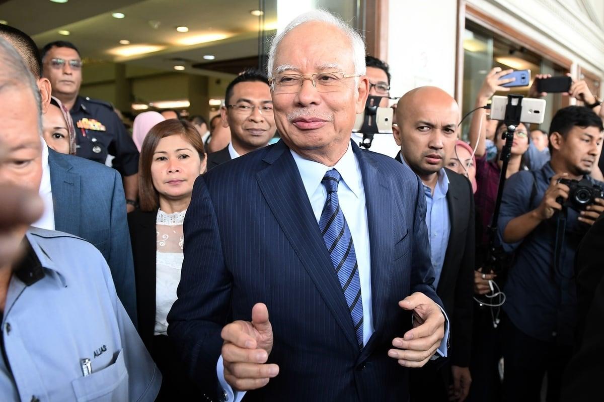 《華盛頓郵報》1月11日發文說,近期《華爾街日報》披露的馬來西亞(簡稱大馬)腐敗項目,讓外界發現了「一帶一路」的交易黑幕。圖為涉嫌大馬案的前總理納吉布(Najib Razak)。(MOHD RASFAN/AFP/Getty Images)