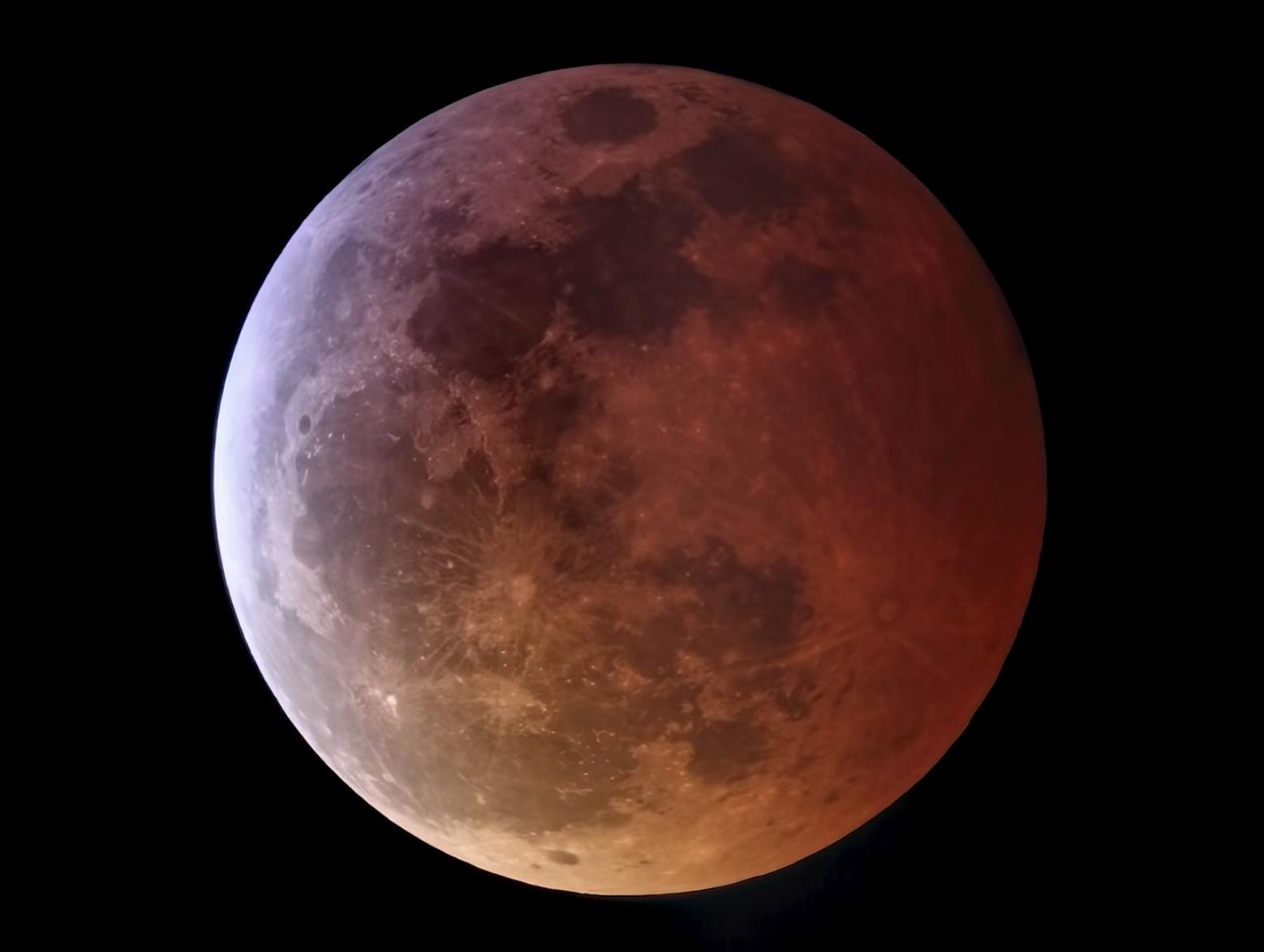 「月全食」將在2021年5月26日晚間登場,又適逢「最大滿月」,屆時月球與地球的距離僅剩35.7萬公里。(NASA Solar System ExplorationFacebook)